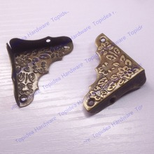 12pcs 37mm Decorative Antique Brass Jewelry Chest Wine Gift Box Wood Table Picture Frame Corner Brackets +Screws