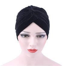 Musim dingin Beludru Muslim Ruffle gadis Kasual Topi Wanita Skullies Beanie  Turban Kepala Wrap perempuan homme 3292da782b