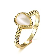 2017 New Yellow Opal Ring Gold Color Fashion Opal Ring For Women With Rhinestone Crystal Fashion Jewelry Gold Heart Ring(China)