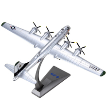 Free Shipping 1:144 WW2 Plane Model B-29 Bomber Alloy Aircraft USA Simulation B29 Military Models Metal Craft Finished Product(China)