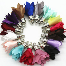 100pcs Mix Color 28mm Flower Tassel For Keychain Cellphone Straps Jewelry Silk Satin Fabric Flower Tassel Charms