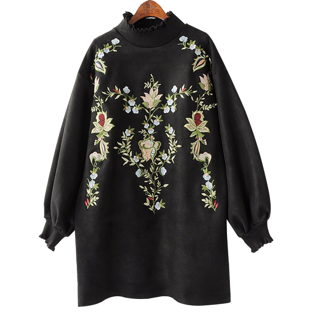 2018 temperament autumn and winter new women's heavy embroidery turtleneck sweater