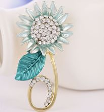 Exquisite fashion Brooch 2016 News design sunflower shape alloy crystal Brooch Russia the national flower Valentine's gift(China)
