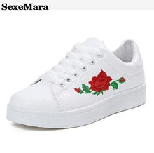 SexeMara New Brand Flat Shoes Woman 2017 Spring Rose Embroidery Creepers Platform Shoes Black White Casual Women Shoes S207