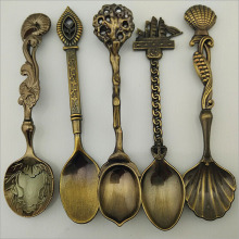 5 Pcs/Set Kitchen Dining Bar Vintage Royal Style Bronze Carved Mini Coffee Dessert Sools Cutlery for Snacks