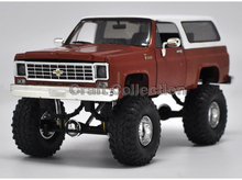 * 1:24 Chevy Chevrolet Silverado (Red) with a Cover K10 4X4 Pickup So Real Concepts Diecast Model Truck