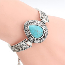 Cheap Fashion Jewelry New Design Tibetan Sliver Color Heart Shaped Charm Bracelet & Bangle for Gift