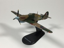 Amer com 1:72 French Air Force Hawker Hurricane MK IIB Diecast airplane model