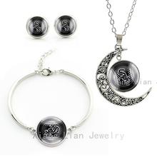 Vintage black white style super baseball jewelry sets case for Chicago White Sox moon pendant necklace earrings bracelet set M46