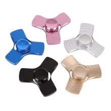 New EDC Toys Professional Spinner Fidget Triangle Pattern Hand Spinner Aluminum Alloy Hand Spinner and ADHD