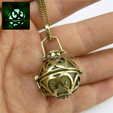 Free Shipping Glow In The Dark Round Flower Perfume Fragrance Essential Diffuser Bead Locket Necklace