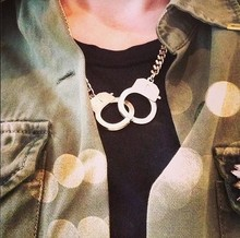 Fashion accessory design short necklace love handcuffs on metal necklace decorative necklace