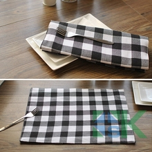 4 pcs/lot New arrival Eastern Mediterranean Style Dinner Table Mat Square Table Cloths Black and White Plaid Placemat for Party(China)