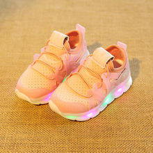2017 New brand slip on LED shoes sneakers hot sales shinning baby first walkers glowing light fashion boys girls shoes toddlers