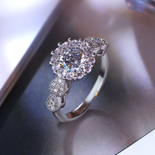 Lowest price Ring for Ladies Round Shape A quality Sparkling Cubic zircoina Best buy Classic Engagement Party Women Ring