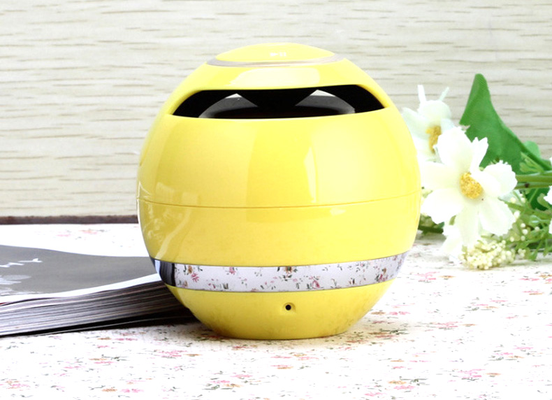 newest round shape portable mini bluetooth speaker with TF card usb mp3 fm audio for mobile phones