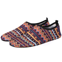 2017 New Swimming shoes Water Shoes Bicycle Seaside Beach Surfing Slippers Skiing yoga Shoes Slip-on Soft Fitness Light Shoes