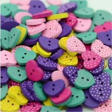 2016 New 50pcs Assorted Multicolor Heart Shaped 2 Holes Wood Sewing Buttons Scrapbooking