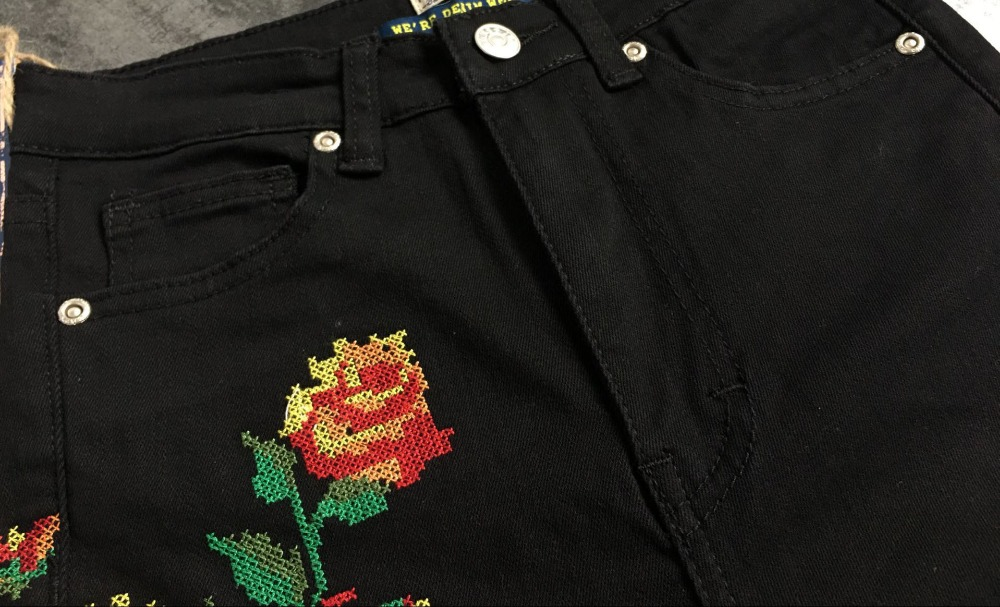 2017 European and American women hot high waist Slim stretch front and rear side cross embroidery roses cowboy pants pants pants (15)