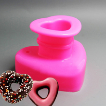 New Dessert biscuits Baking Tools Donuts Molds Heart - shaped Breads Donuts Tools Heart Bread Molds tools(China)