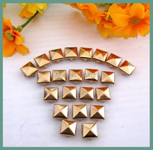 400Pcs/bag Vintage 9*9mm DIY Gold Pyramid Studs Punk Rock Metal Rivet Garment accessory handbag/ Leather /Clothes/Belt lywj-009