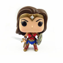 NEW  10cm Wonder Woman action figure Bobble Head Q Edition new box for Car Decoration