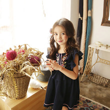 Summer New Girl Cotton Linen Cute Little Kids Flying Sleeves Dress with Embroidered National Style Pink/ Dark Blue Girls Dress(China)