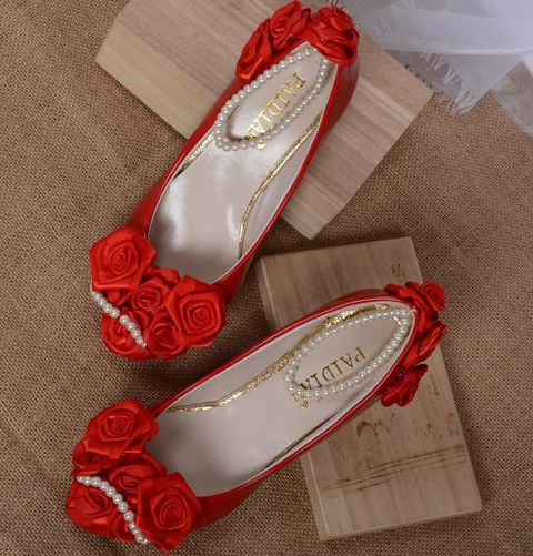 Red rose flower decoration low small heel pumps shoe for women, bridal red pearls ankle bracelets pump, red dress pump<br><br>Aliexpress