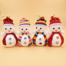Lovely Xmas Tree Decorations Snowman Doll Children's Gift Tiny Toy Random Color