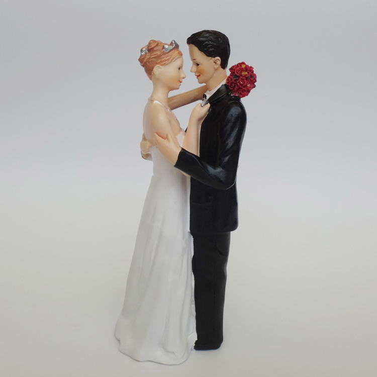 Wedding Favor Groom Bride Hug Romantic Tender Moment Caucasian Couple Figurine European Style Wedding Cake Toppers Wedding Decor(China)