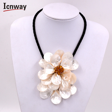 Natural 3 capas de 40mm blanco concha collar de flores broche gp 18 pulgadas FreeShipping Al Por Mayor