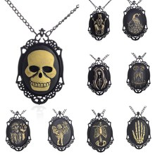 2017 Gothic Skeleton Hand Sugar Skull Necklace Black Statement Necklace Ghost Long Hair Steampunk Jewelry Men Jewelry