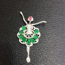 Qi Xuan_Fashion Jewelry_Colombian Green Stone Girl Dancing Necklaces_925 Solid Silver Pendant Necklaces_Factory Directly Sales
