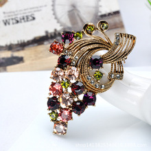 New 2016 Korean Style Rhinestone Flower Brooches Athnic Shawl Scarf Brooches For Women Elegant Party Brooches Jewelry Good Gifts