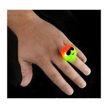 1 Piece Trendy Cute Emoji Cartoon Smiley Face Finger Ring Party Props Photography Kids Adult Fun Gift Light Luminous Ring P15