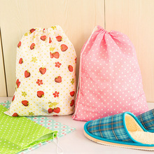 1 x fresh floral Non-woven fabric travel shoes bag drawstring bag slipper shoes storage organizer bag dustproof bag