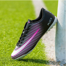 Youth Soccer Shoes 2017 Wear Non Slip Long Spikes Outdoor Fashion Original Sport Shoes Hot Sale In China Cheap Boy Sneakers