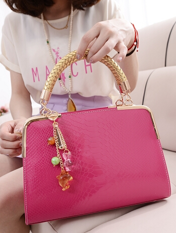 Quality pu leather fashion women bag candy color glossy patent leather crocodile pattern serpentine pendant sweet beauty bag<br><br>Aliexpress
