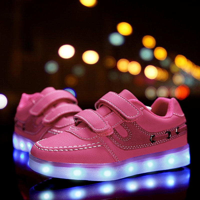2017 Kids Casual Shoes Light Leather Shoes Girl Sneakers With Luminous Sole Lighted Casual Glowing Sneakers Usb Children 50Z0100<br>