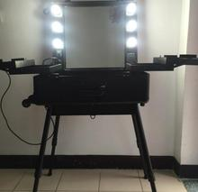 Professional Rolling Makeup Artist Cosmetic Train Case with Lights Mirror and Stand