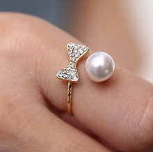 Simple Fashion Full Rhinestone Bownote Women Rings Big Simulated Pearl Ring Special Little Gift