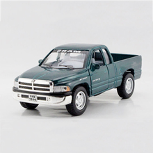 1:44 Ram Pickup truck Green alloy models model car Pickup Diecast Metal Pull Back Car Toy For Gift Collection