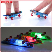 Original Pack 4pcs Finger Skate Boarding FSB Toy Tech Practice Finger Skateboard With Tools & Spare Components In Random Color(China)