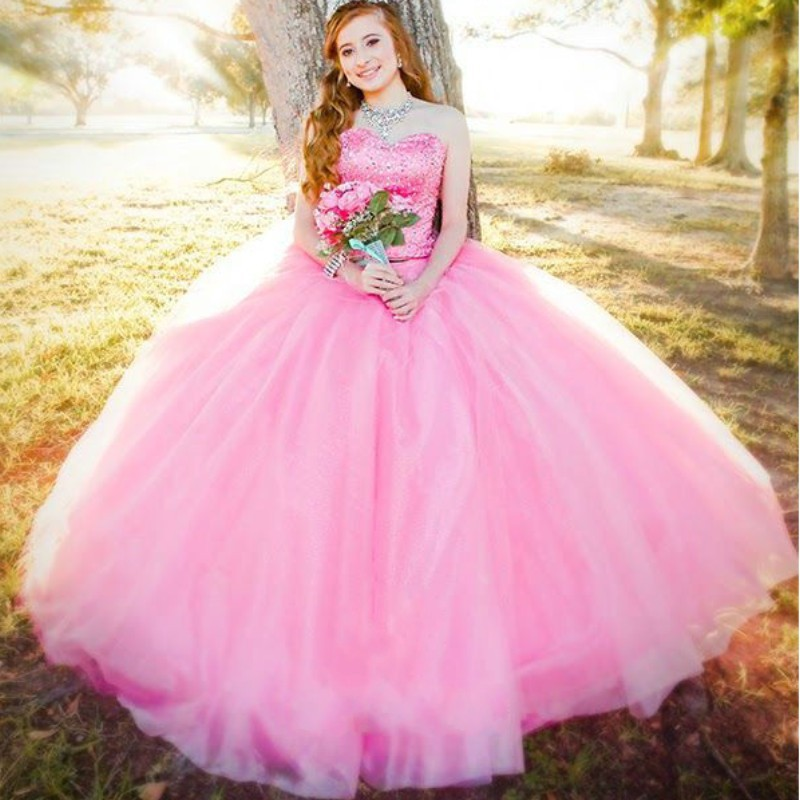 Beautiful Pink Quinceanera Ball Gown Tulle Crystal Beaded Ruffles vestido de noiva Sweetheart 2018 mother of the bride dresses