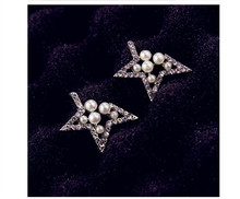 Ladies simulated pearl Rhinestone star earrings earrings hollow gap pentagram