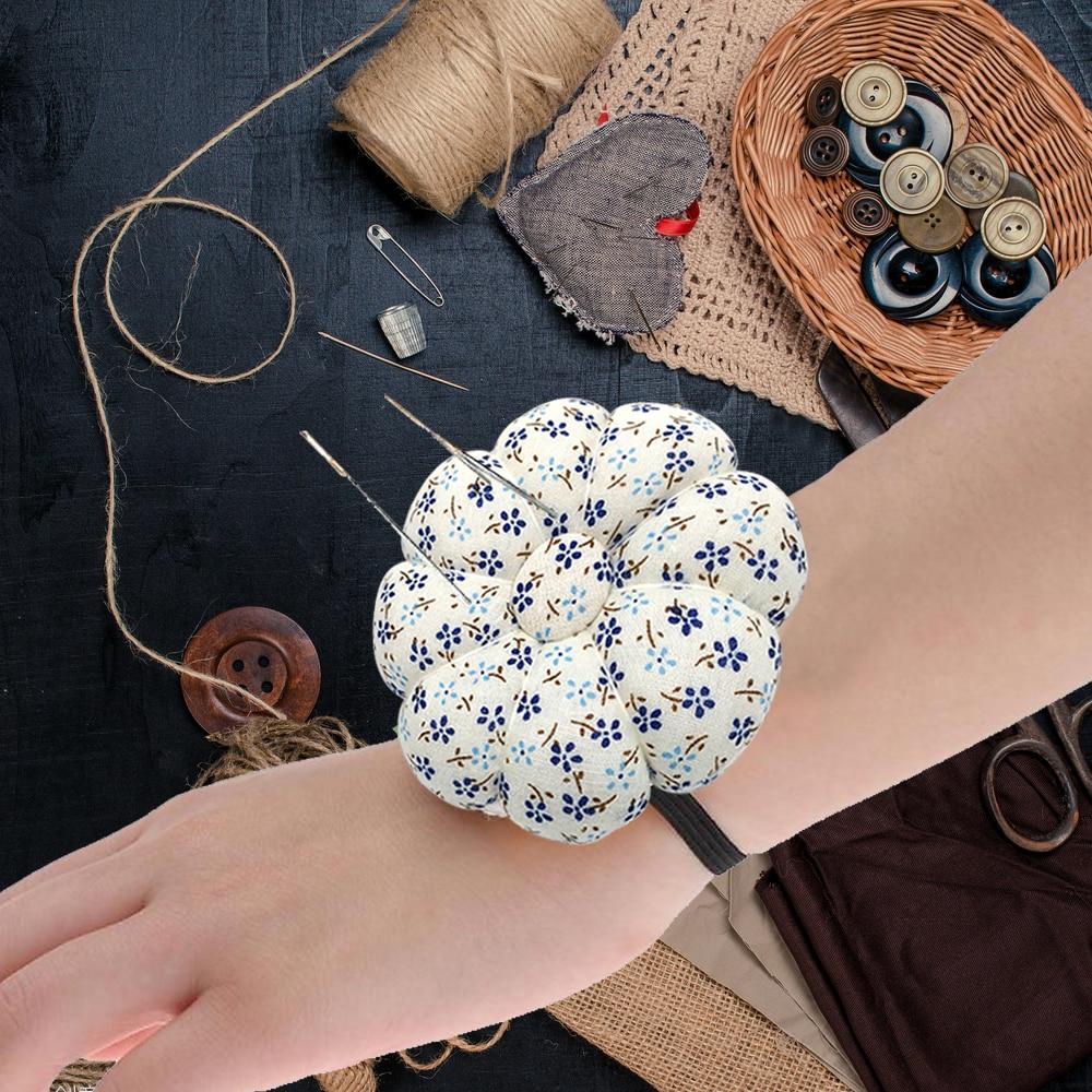 DIY Sewing Pincushion Floral Printed Wrist Pin Needle Cushion Pumpkin Shape Cotton Fabric Adjustable Elastic Band Pincushion Pins Needles Holder for Sewing Crafting Green