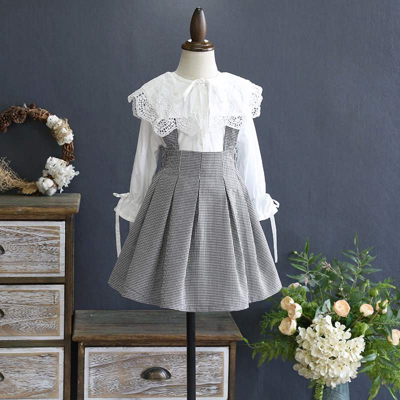 Girls set 2018 spring new girl lace lace fairy shirt with pleated strap skirt two-piece<br>