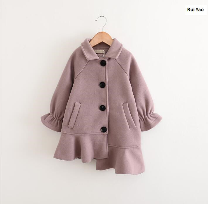 SIZE 31841163 2017 Autumn Baby Girls Coat Worm Fashion Ruffles Solid Girl Outerwear Girls Clothes Lolita <br>