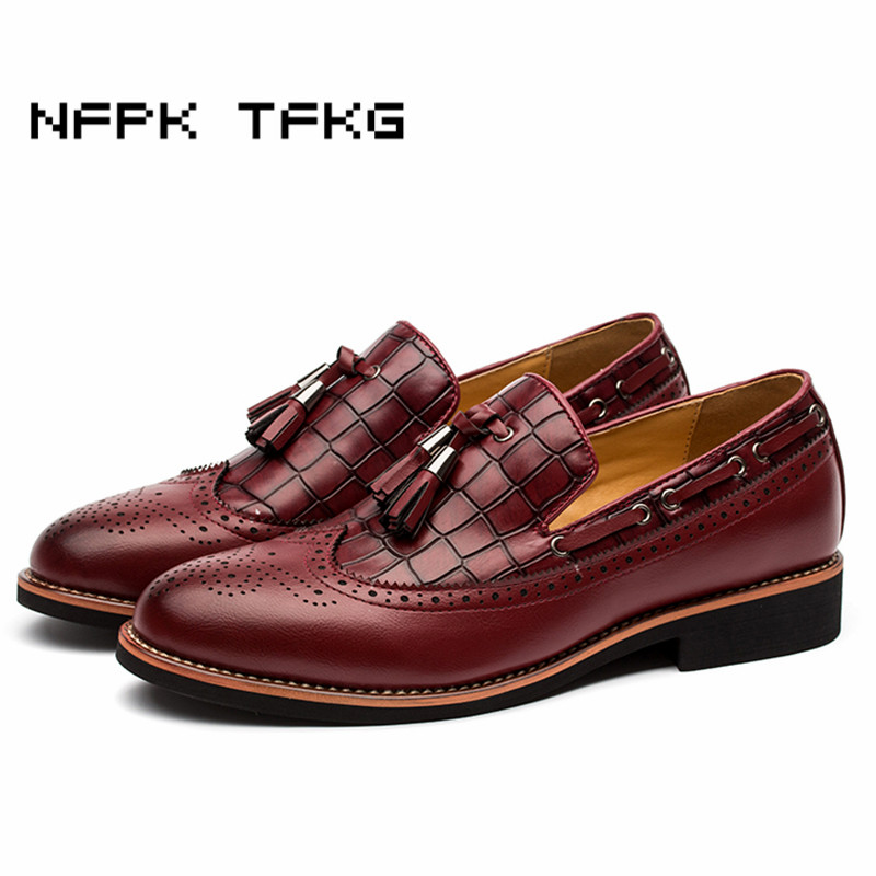 British style men fashion wedding party wear breathable genuine leather bullock shoes slip-on brogue flat shoe tassels loafers<br>