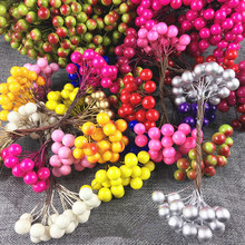 A bunch of small berries flower stamens 40 bubble pearl wedding DIY gift boxes decorative wreaths